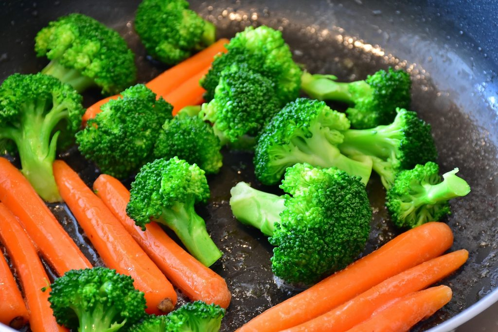 multi cooker vs soup maker - broccoli and carrots are great ingredients for both