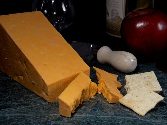 types of cheese: leicester