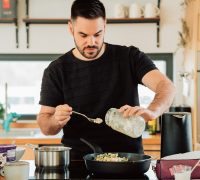 7 Essential Pots And Pans (And What You Can Cook In Each)